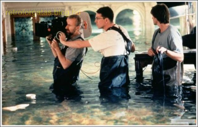 a_behindthescenes_look_at_the_making_of_titanic_640_29.jpg