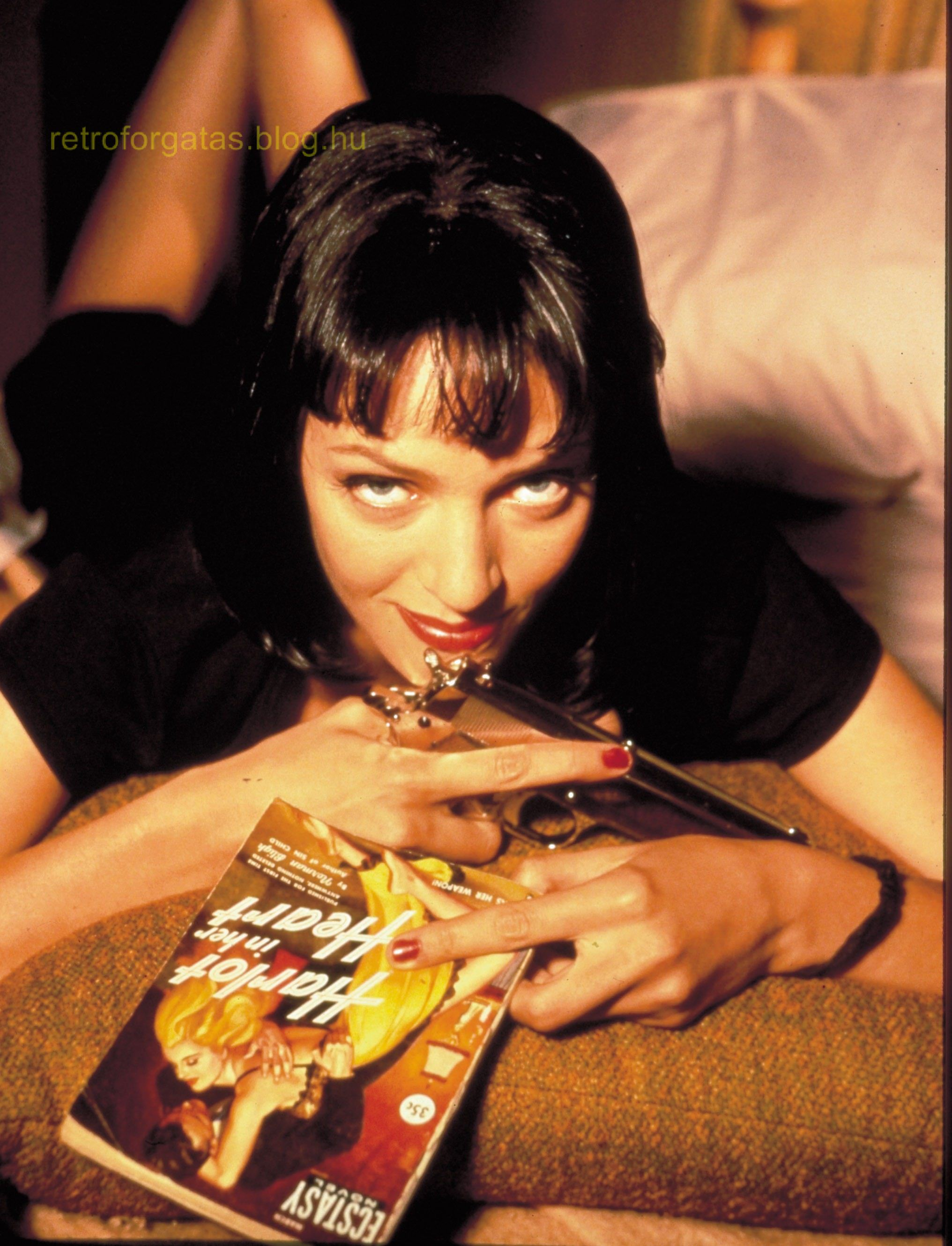 celebrate-pulp-fictions-20th-anniversary-with-20-cool-behind-the-scenes-pics-image-21.jpg