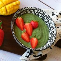 Szuper zöld smoothie bowl