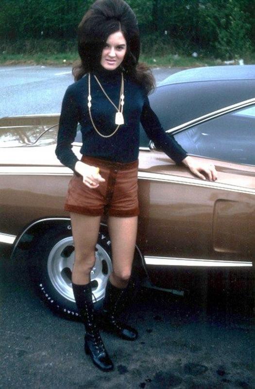 1960s_big_hair_2821_29.jpg