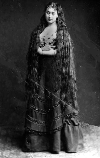 longhair_victorian_woman_286_29.jpg