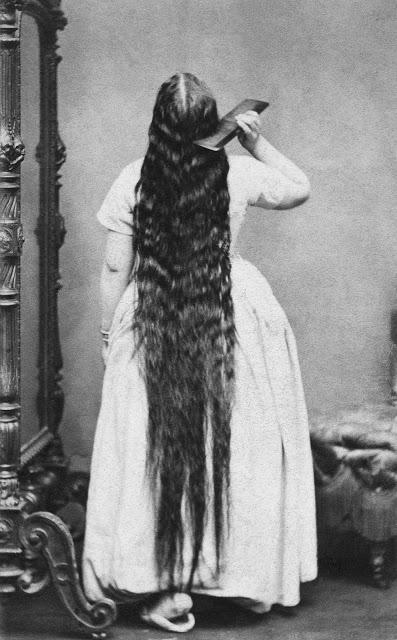 longhair_victorian_woman_289_29.jpg