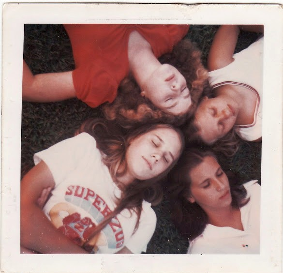 polaroid_prints_of_teen_girls_in_the_1970s_2819_29_cr.jpg