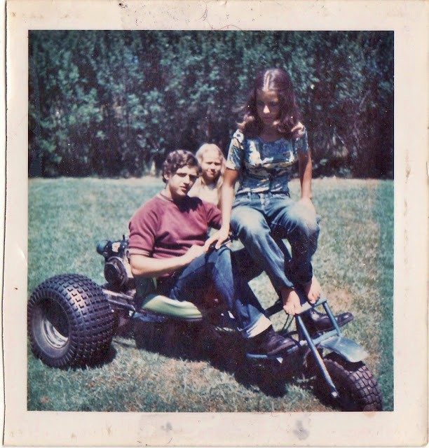 polaroid_prints_of_teen_girls_in_the_1970s_2822_29.jpg