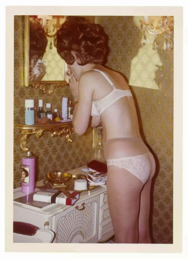 polaroid_prints_of_teen_girls_in_the_1970s_286_29.jpg