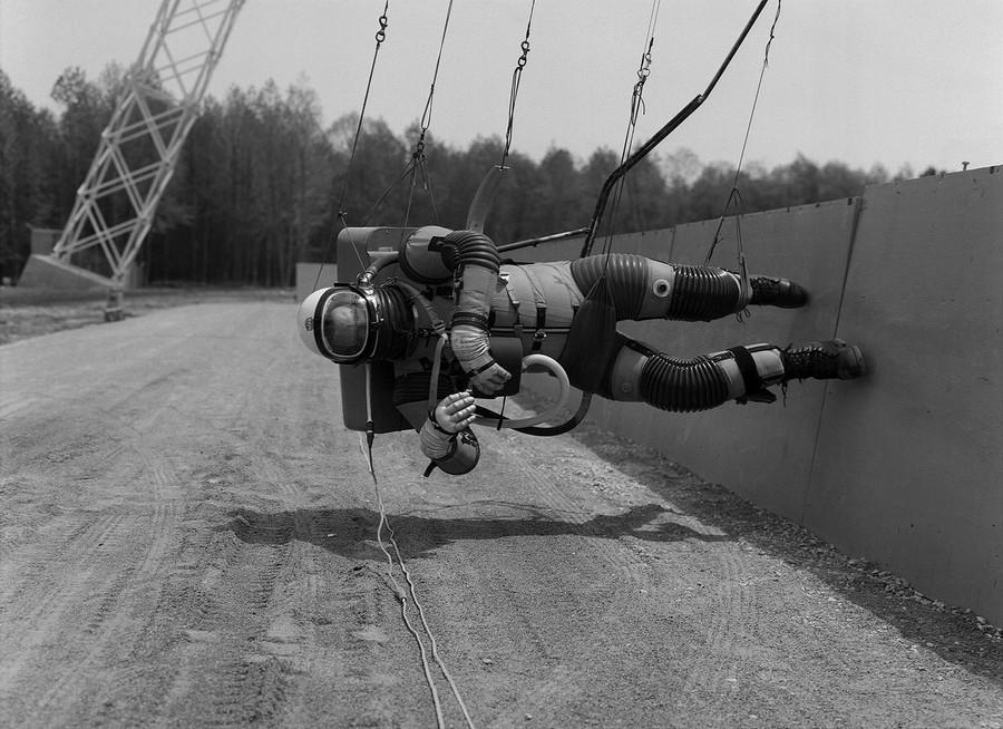1965_az_apollo_program_csokkentett_gravitacios_szimulatora.jpg