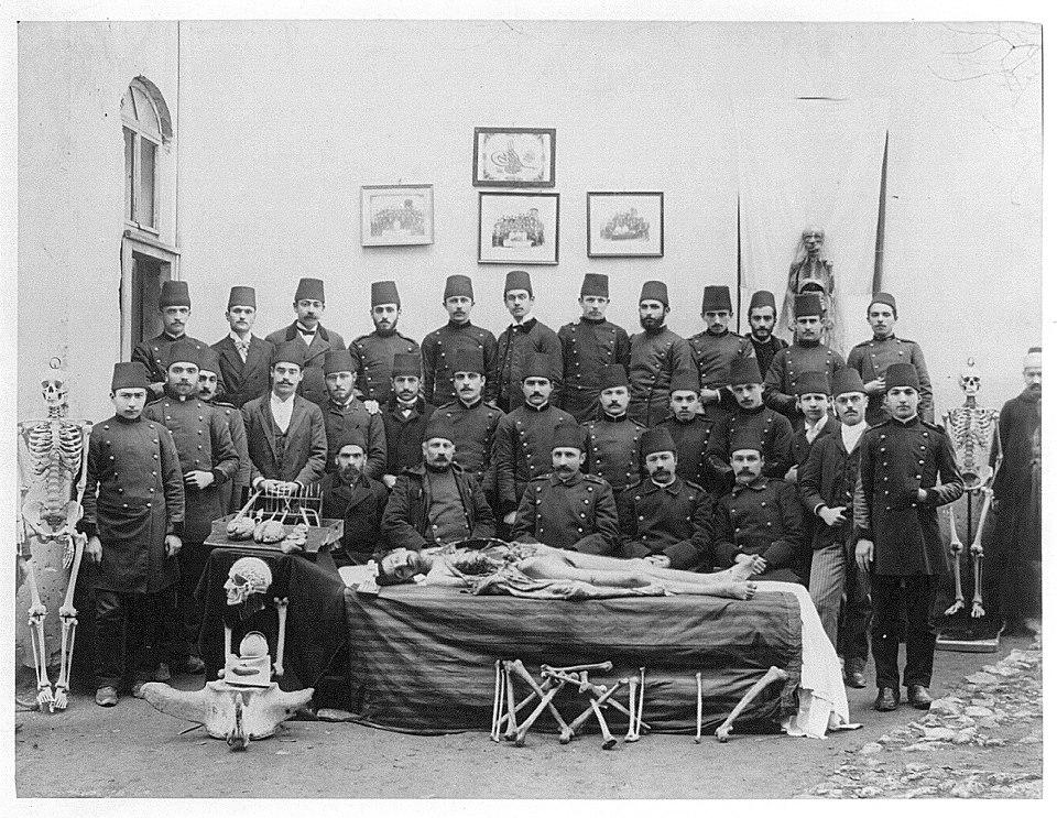 1898_orvostanhallgatok_az_ottoman_birodalomban_isztambulban.jpg