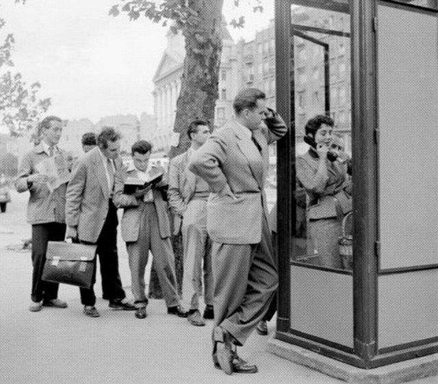 1957_budapestiek_telefonfulkere_varnak.jpg