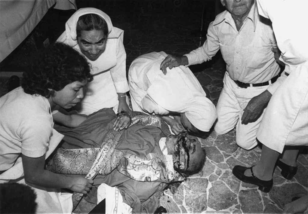 1980_oscar_romero_salvadori_puspok_meggyilkolasa.jpg