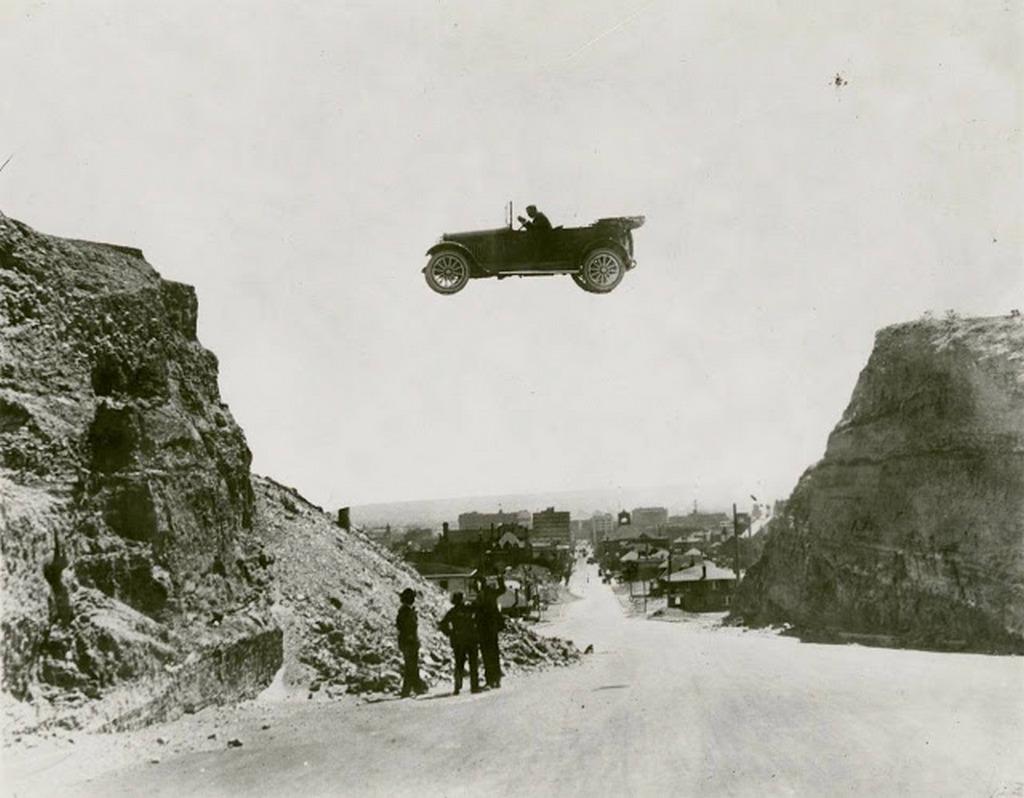 1920_stunt_performer_jumping_two_embankments_in_el_paso_texas.jpg