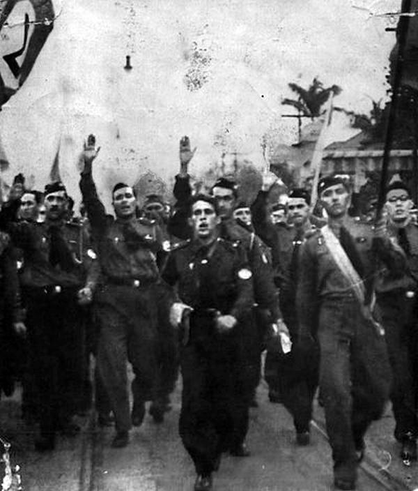 1935_a_brazil_nacionalista-fasiszta_integralist_part_felvonulasa.jpg