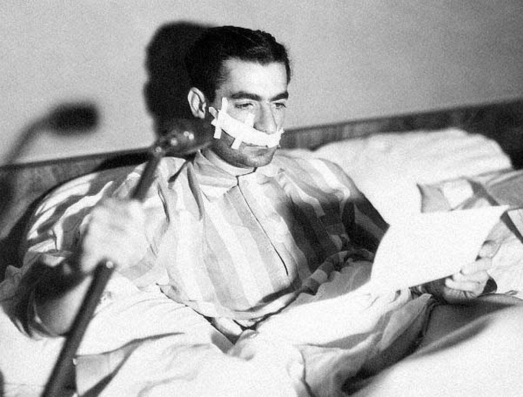 1949_mohammad_reza_irani_sah_a_korhazi_agyan_egy_meghiusult_merenylet_utan.jpg