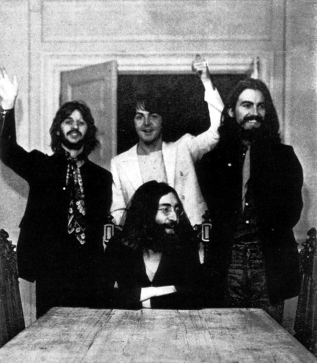 1969_augusztus_22_az_utolso_kozos_foto_a_beatles_egyuttesrol.png