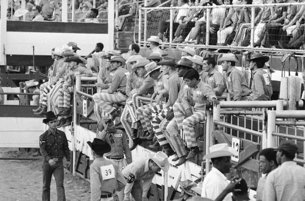 1971_az_oklahomai_allami_fegyhaz_csapata_a_teruleti_rodeobajnoksagon.jpeg