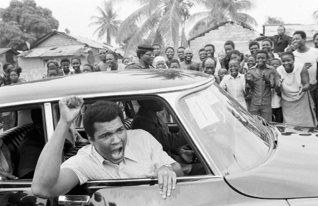 1974_muhammad_ali_az_afrikai_zaire-ben_a_george_foreman_ellen_tervezett_merkozese_elott.jpeg