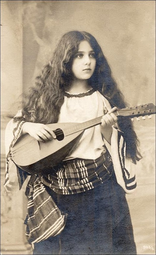 1886_lany_mandolinnal.jpg