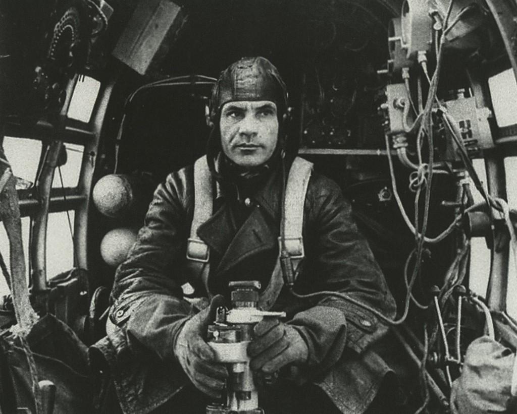 1944_szovjet_iljusin-4_bombazo_navigatora.jpg
