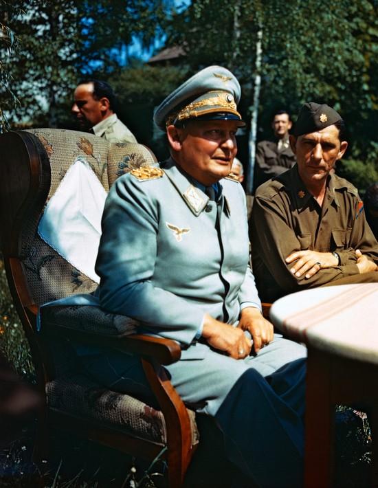 1945_hermann_goring_letartoztazasa_utan_kozvetlenul.jpg