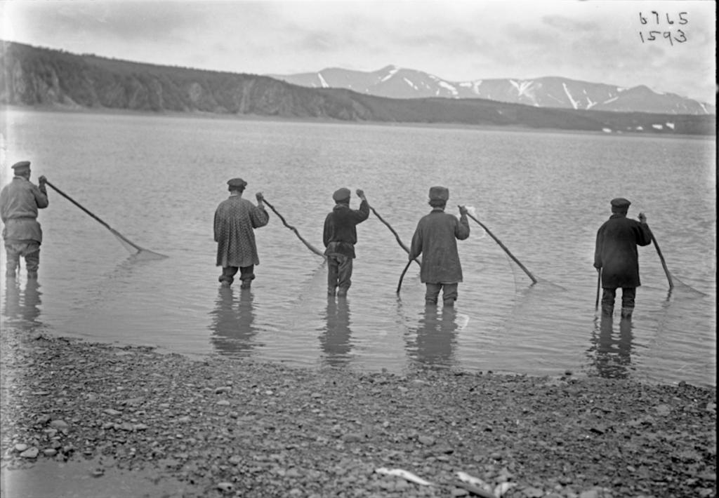 1901_eloroszosodott_korjakok_halasznak_magadantol_eszakra_najahan_falu_mellett.png