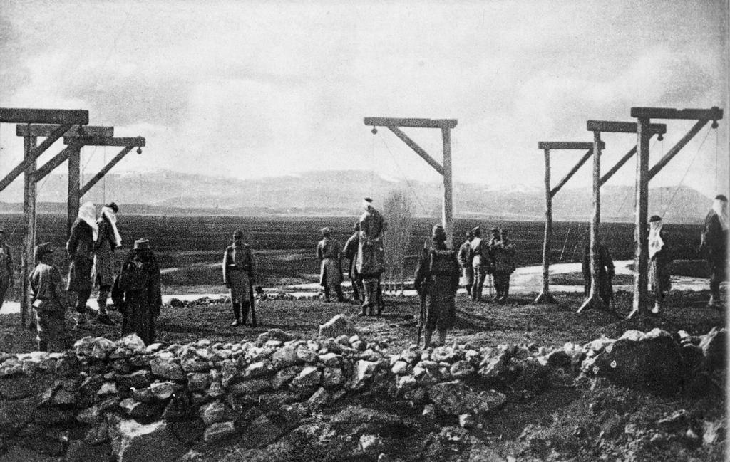 1914_osztrak-magyar_csapatok_altal_kivegzett_szerbek_trebinjeben.png