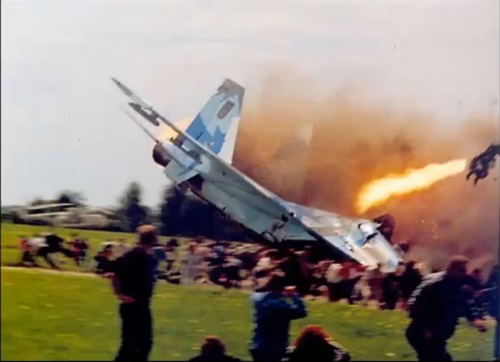 2002_minden_idok_egyik_legsulyosabb_balesete_az_ukran_legibemutaton_83-an_haltak_meg_es_155-en_sebesultek_meg_a_pilota_hibajabol.jpg