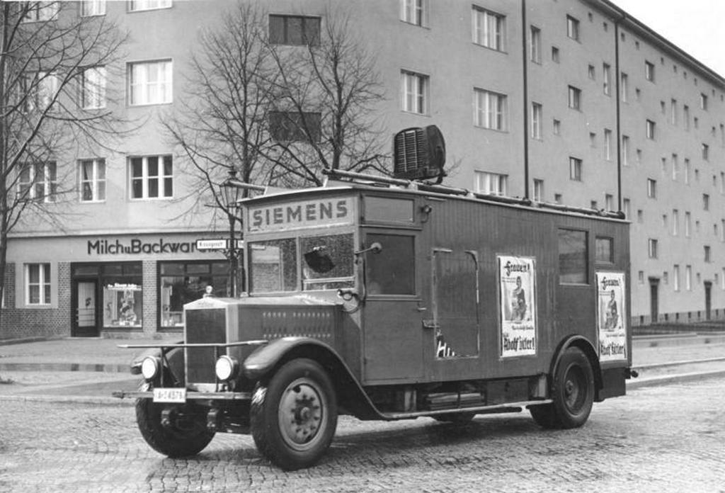 1932_a_nemet_nsdap_propagandaautoja.jpg
