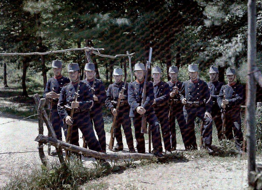 1917_junius_svajci_hatarorok_a_francia_hataron.jpg