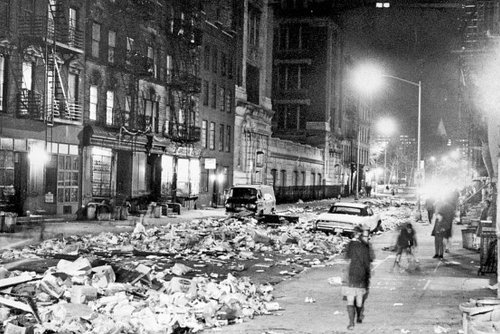 1968_februar_2-10_a_new_york-i_szemetesek_sztrajkja_alatt_a_varost_elboritotta_a_hulladek.jpg