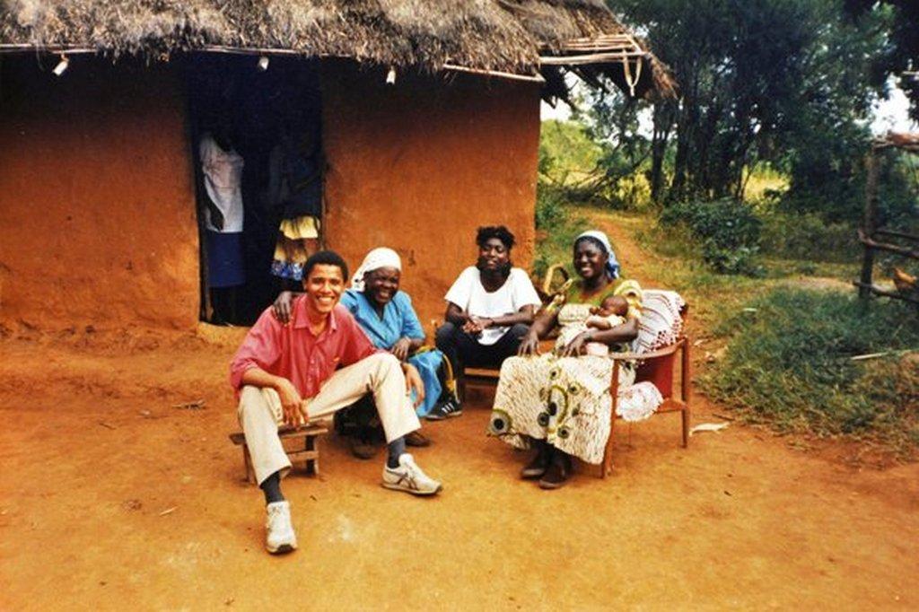 1987_barack_obama_apja_szulofalujaban_kenyaban.jpg