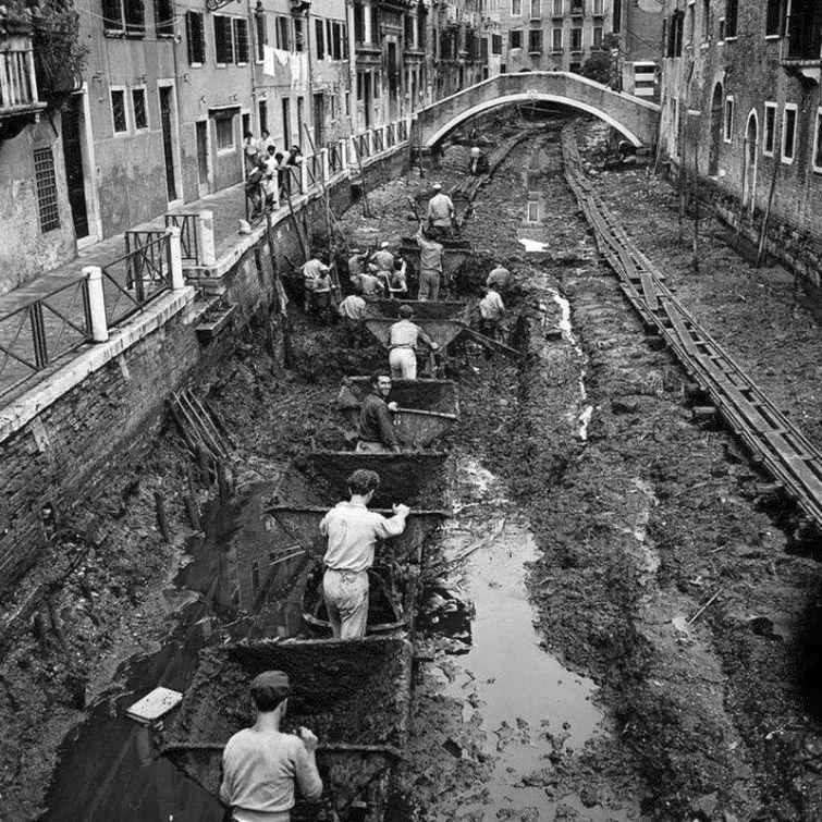 1956_velencei_csatorna_tisztitasa.jpg