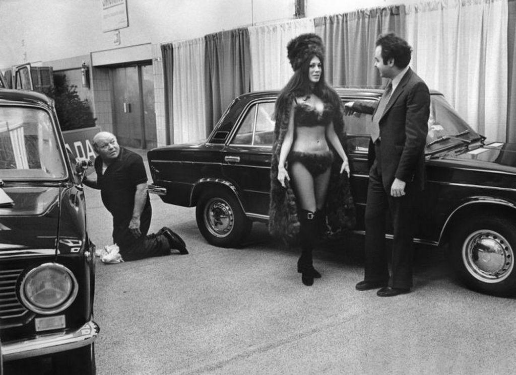 1973_new_york-i_nemzetkozi_autoshow_lada_standjanak_elokeszuletei.jpg