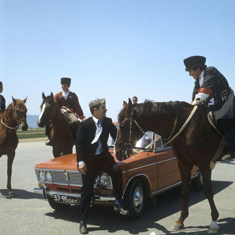 1972_vaz_2103_plakat_a_szovjetuno_dagesztani_reszenek.jpg