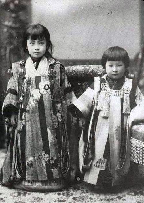1899_aki_harom_evszazadban_is_elt_a_evesen_tavaly_elhunyt_japan_misao_okawa_noverevel.jpg
