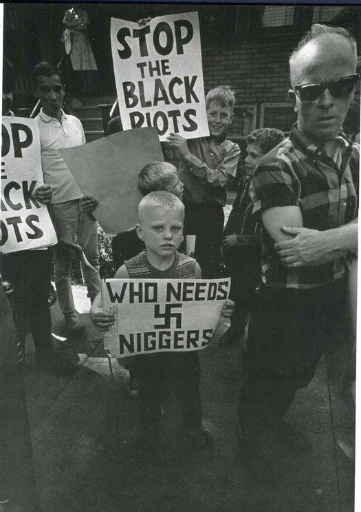 1959_az_amerikai_deli_allamok_fekete_polgarjogi_megmozdulasainak_ellentuntetoi_kinek_kellenek_a_niggerek.jpg