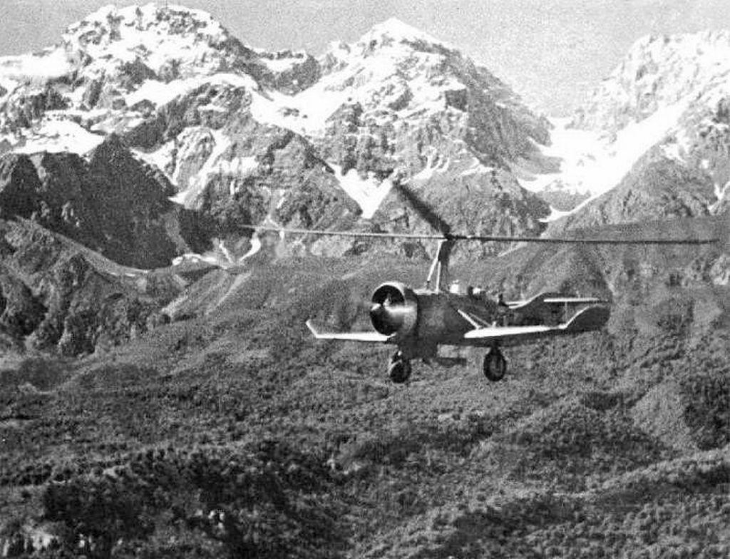 1941_szovjet_gyartmanyu_tsagi_a-7_autogyro_a_tien-san_hegyseg_felett_kirgizisztanban.jpeg