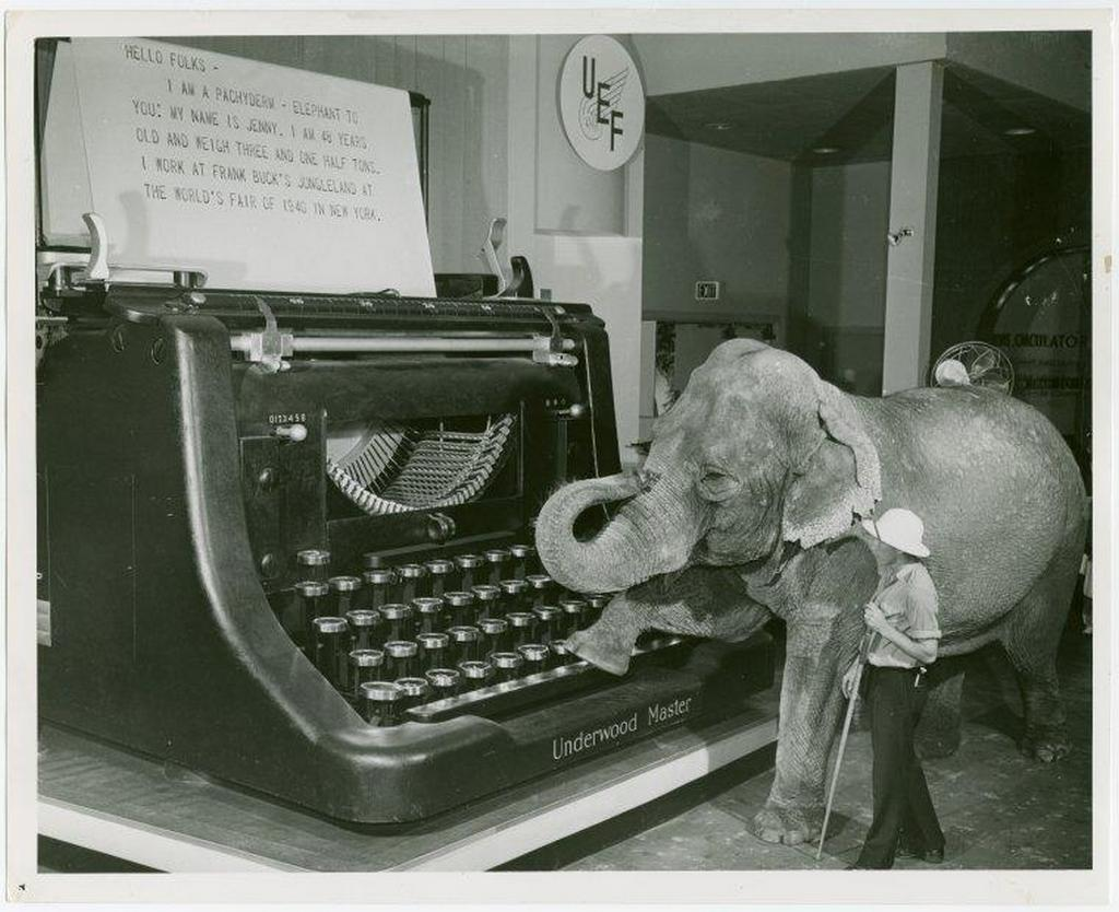 1940_a_vilag_legnagyobb_mukodokepes_irogepe_a_new_york-i_vilgkiallitason.jpeg