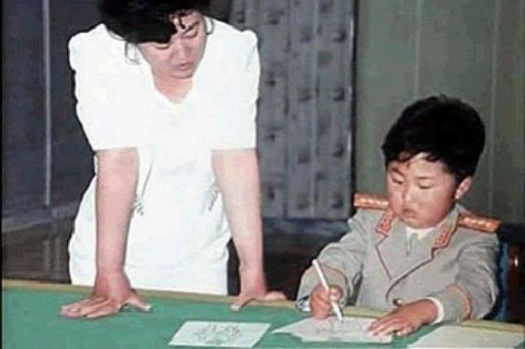 1980-as_evek_kim_dzsongun_rajzol.jpg
