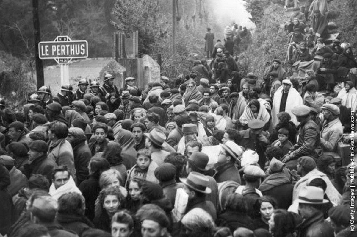 1936_spanyol_menekultek_varnak_bebocsatast_franciaorszagba_la_perthus-nal_a_polgarhaboru_idejen.jpg