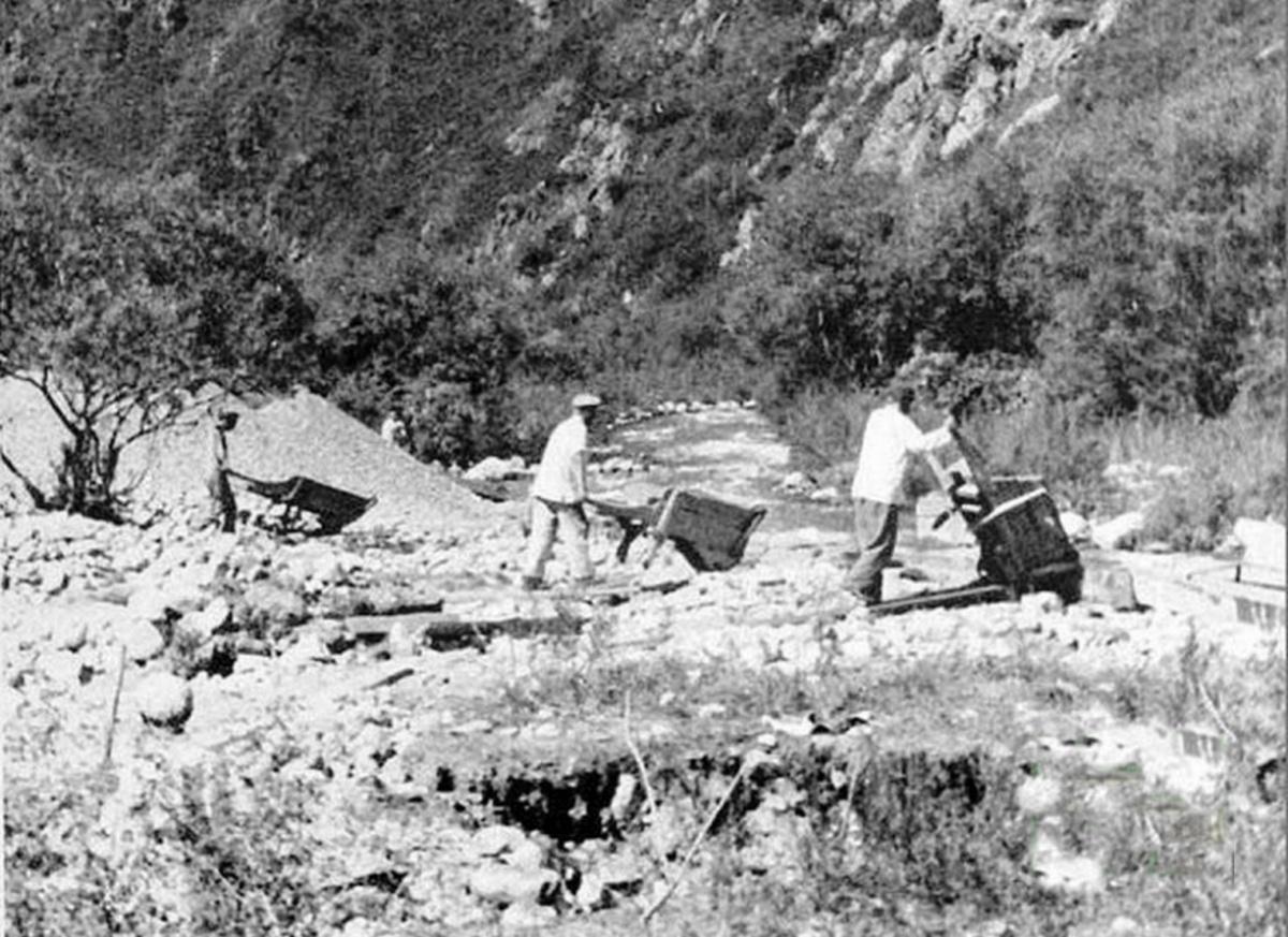 1940_volframbanyaszok_a_kirgiz_hegyekben_szovjetunio.jpeg