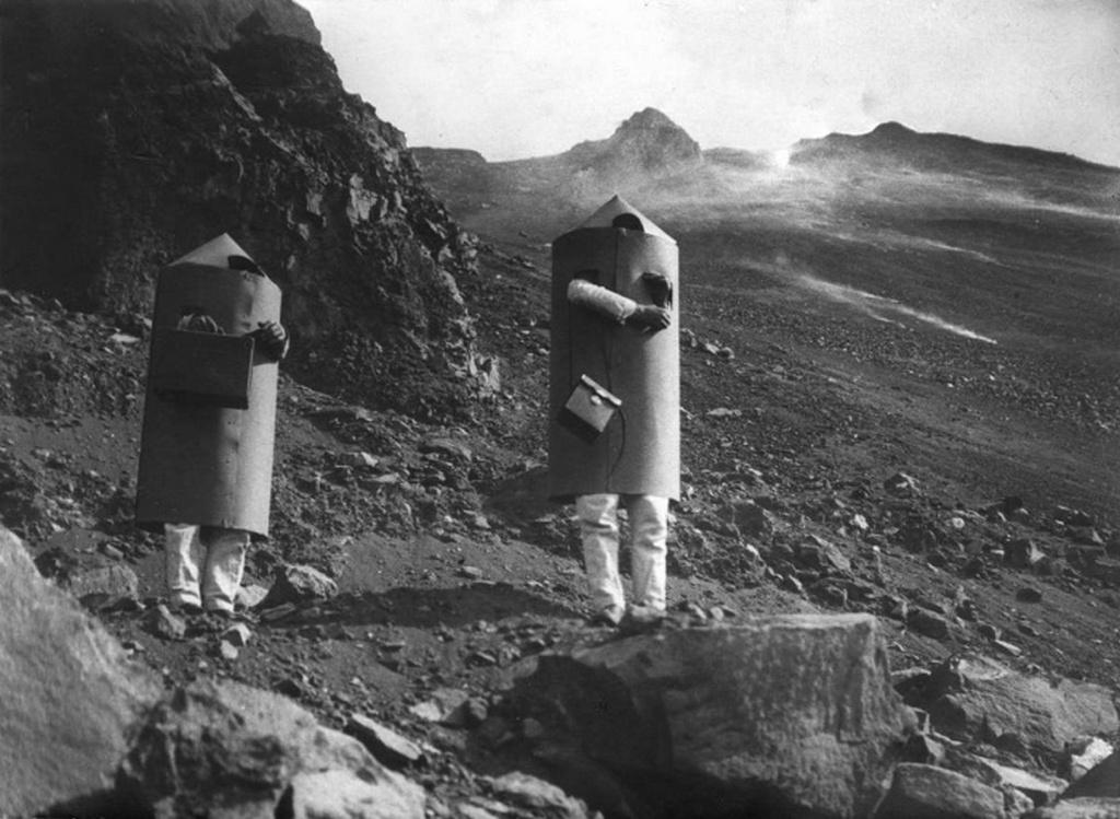 1933_kerner_arpad_vulkanologus_altal_keszitett_vedooltozek.jpeg