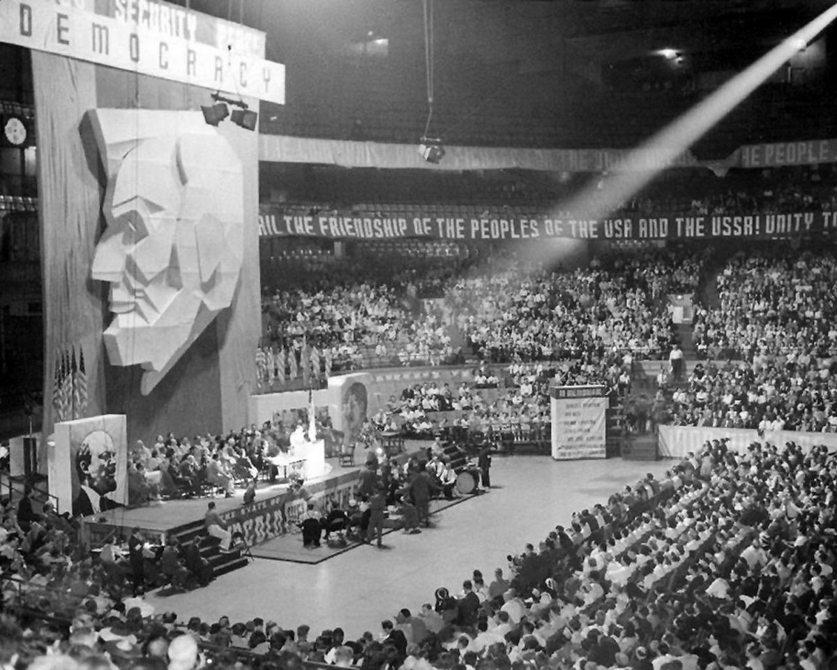 1939_az_amerikai_kommunista_part_kongresszusa_chicago-ban.jpeg