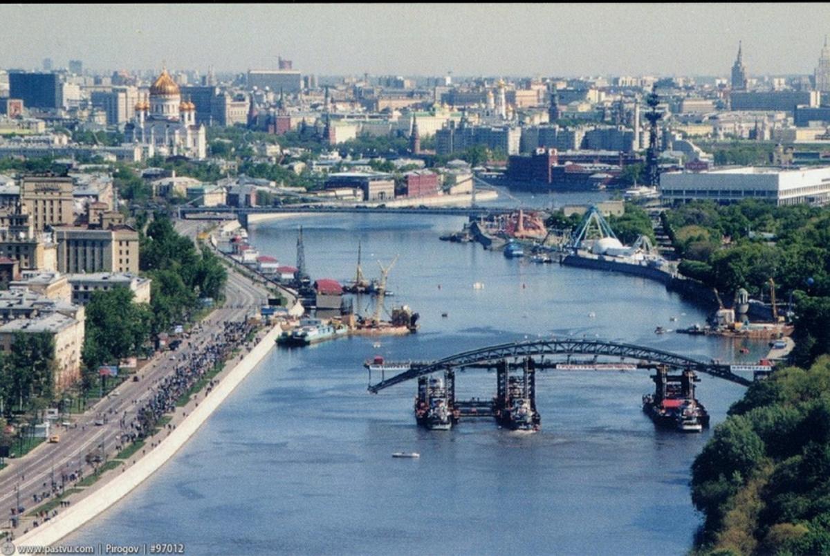 1999_szent_andras_valtas_iv_vasuti_hid_a_folyon_lefele_moszkva_majus_22_1999_oroszorszag.jpeg