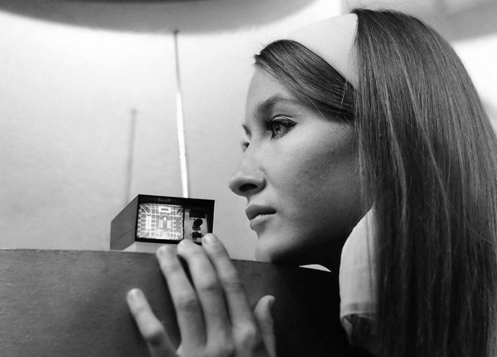 1966_igazi_zsebteve_az_akkori_legkisebb_televiziokeszulek_a_sinclair_microvision.jpeg