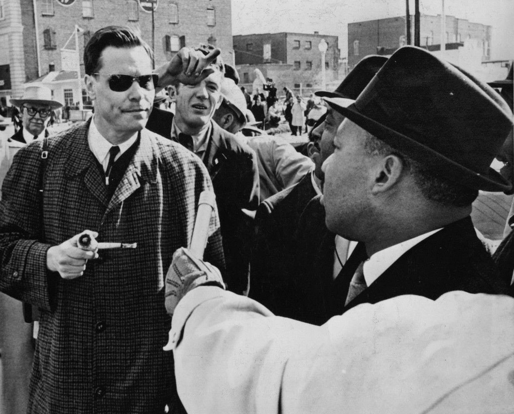 1965_american_nazi_party_leader_george_lincoln_rockwell_confronting_martin_luther_king_jr.jpg