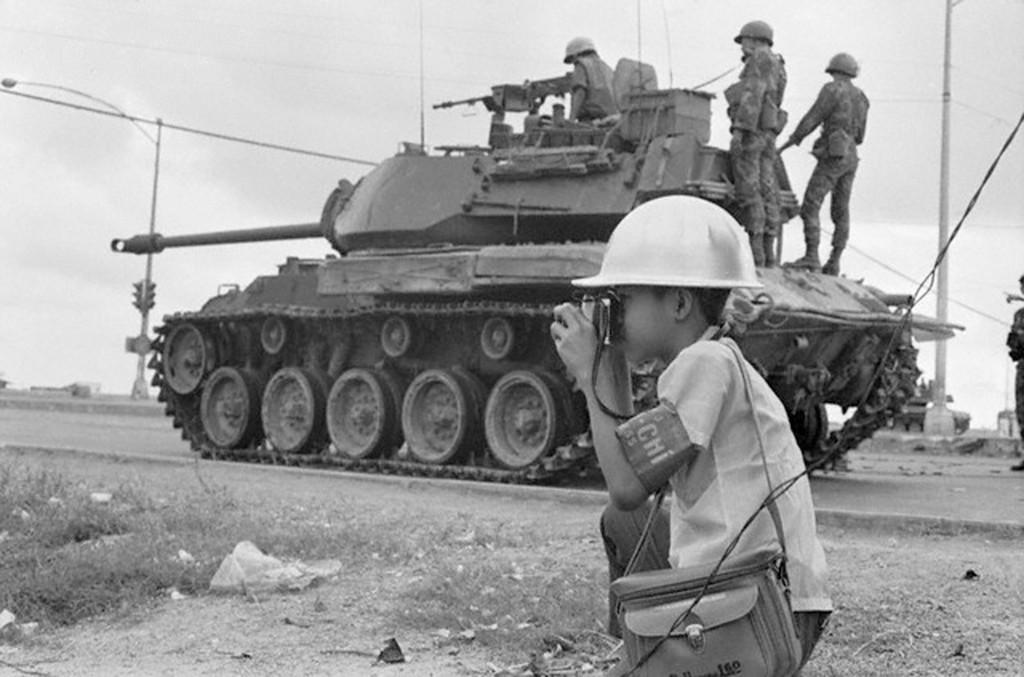 1968_12_eves_luo_manh_hung_a_legfiatalabb_vietnami_fotoriporter_februar_18_1968_del-vietnam.jpg