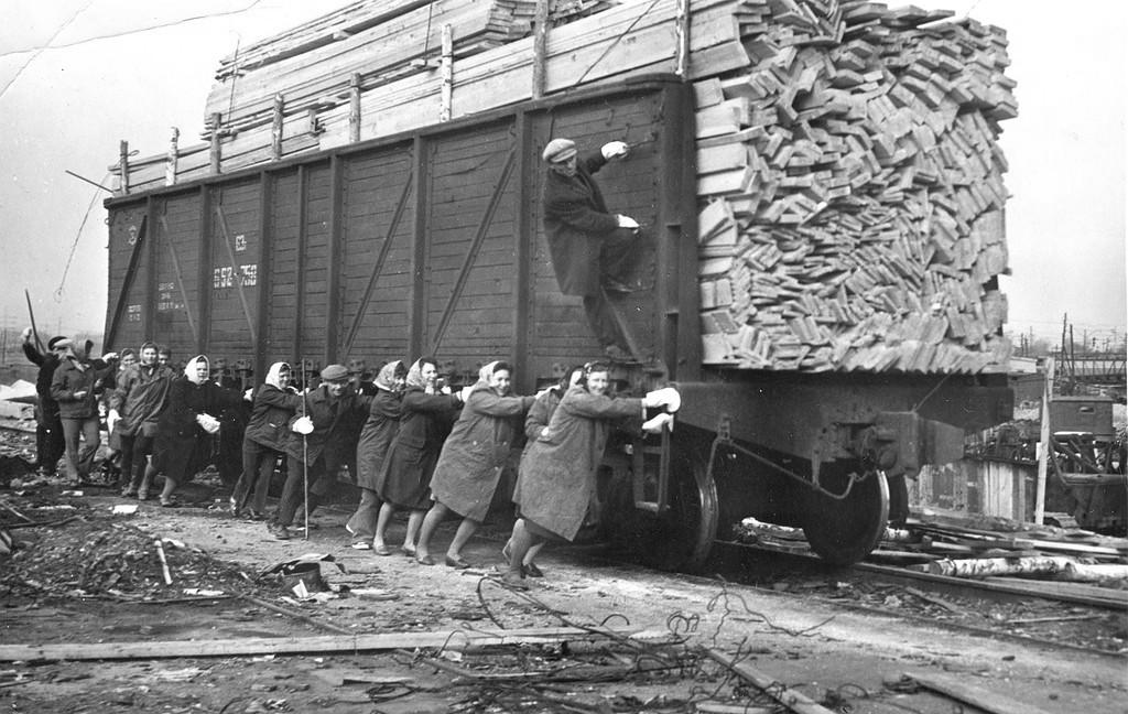 1970_tolatas_shadrinsk_station_1970-ben_a_szovjetunio.jpeg