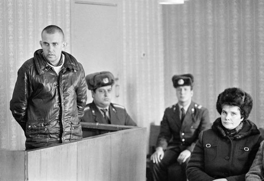 1987_eliteltek_a_parazitizmus_a_targyaloteremben_november_12_1987_lipetsk.jpeg