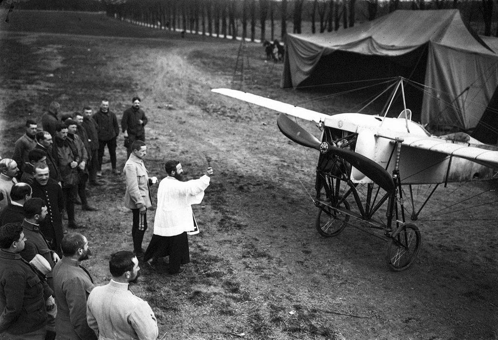 1915_aldas_a_gep_1915-ben_franciaorszagban.jpeg