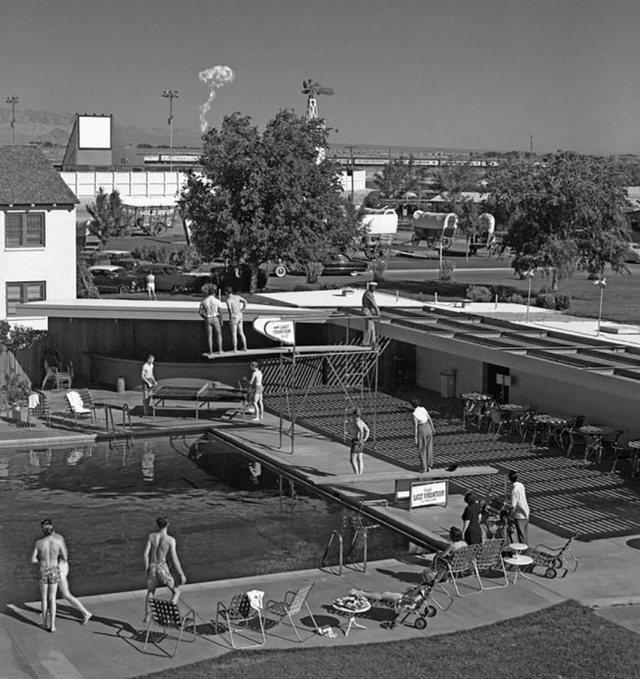 1960_nuklearis_robbanas_kilatas_a_las_vegas_1960_usa.jpeg