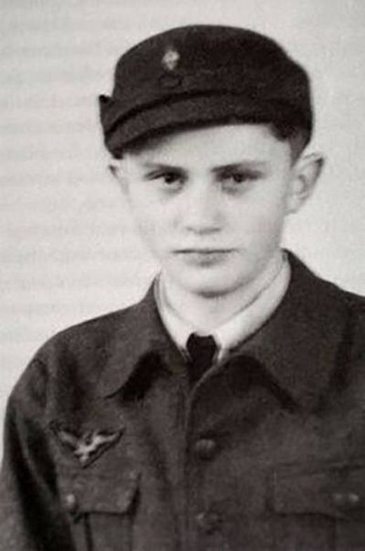 1930s_pope_benedict_xvi_in_the_hitler_youth_as_a_teenager.jpg